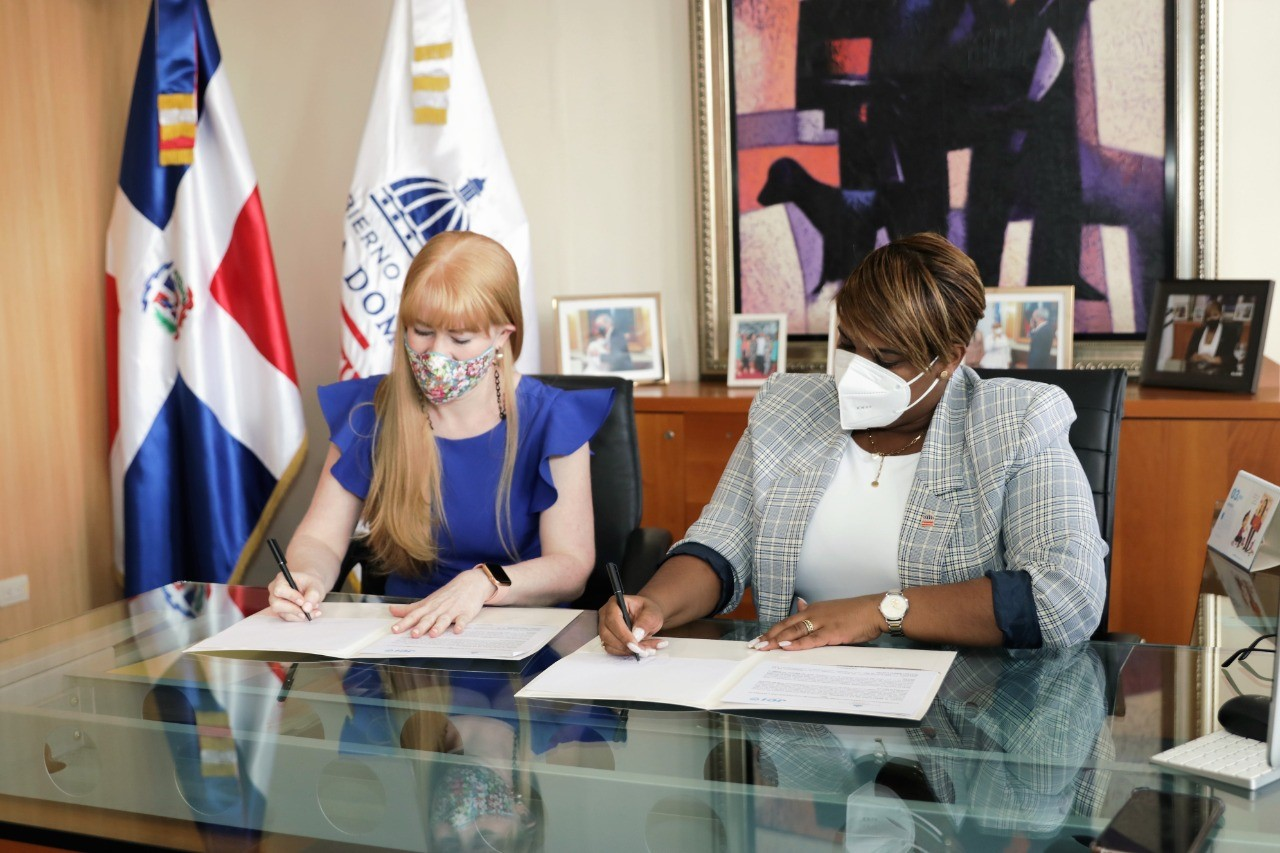 Ministerio de la Juventud y Jaycees´72 impulsarán programa de capacitación técnico profesional en la frontera
