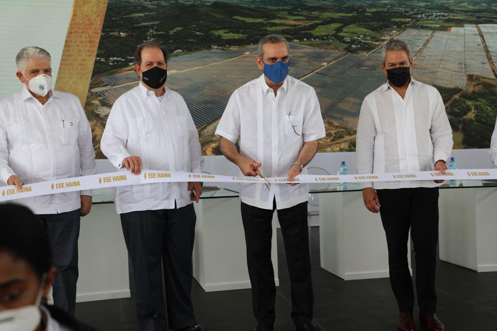 Abinader participa en inauguración Parque Solar Girasol con inversión de USD 100 millones