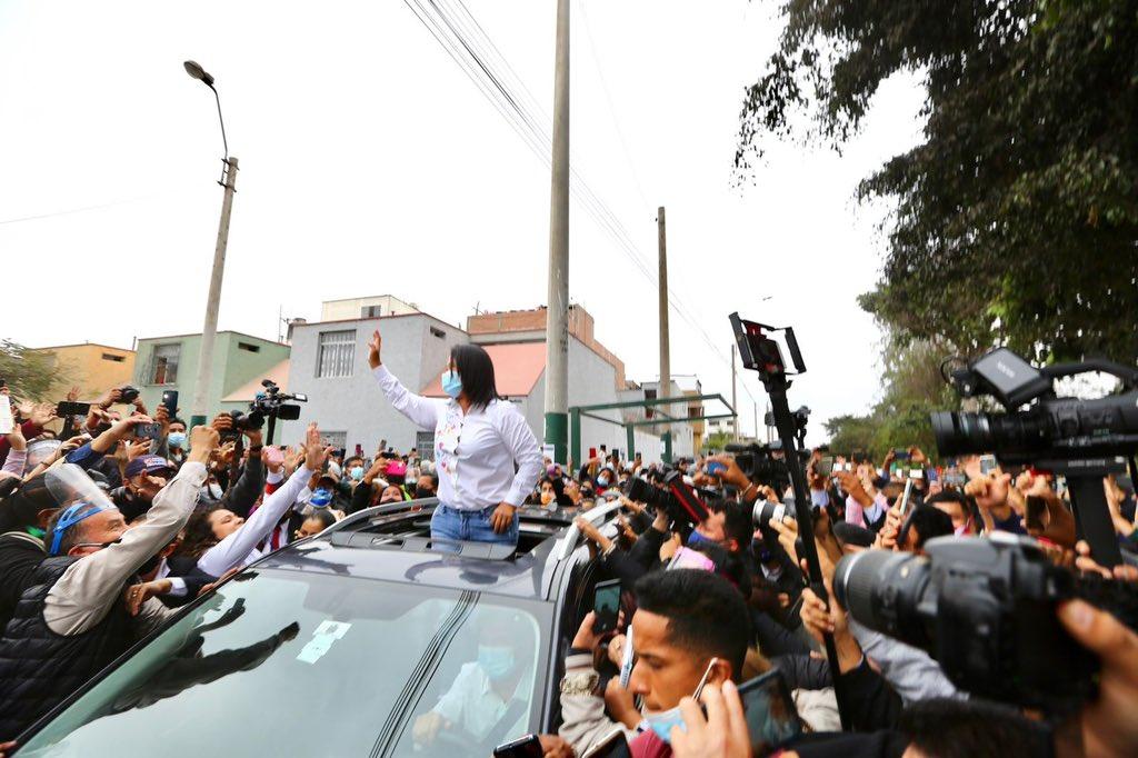 Keiko Fujimori lidera conteo parcial en elecciones en Perú